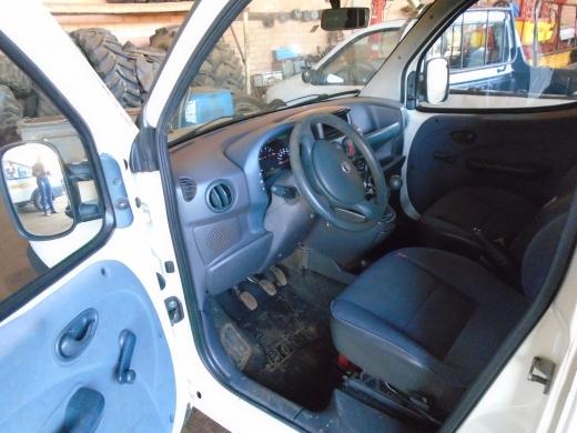 LOTE 02: FIAT DOBLÔ CARGO AMBULÂNCIA, ano 2001 e modelo 2002, placas MFD 9980