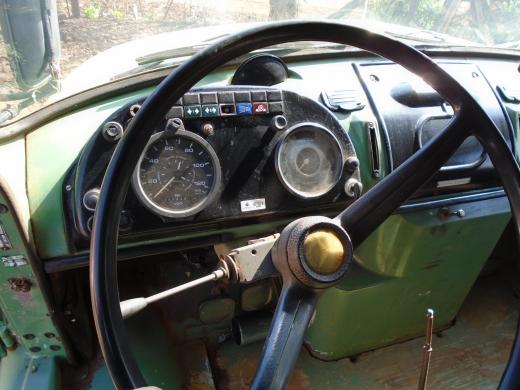 LOTE 04: CAMINHÃO BASCULANTE MERCEDES BENZ LK 1313, ano 1982 e modelo 1983, placas LWS 0945