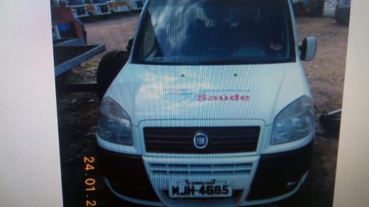 LOTE 04: FIAT DOBLÔ ESSENCE 1.8, ano 2012 e modelo 2013, placas MJH 4685