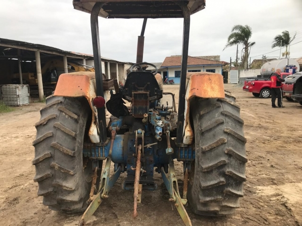 LOTE 05: TRATOR FORD NEW HOLLAND 5630