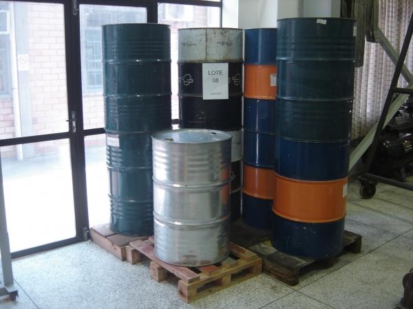 LOTE 08: 1.800 litros de óleo mineral isolante usado. Rejeito que pode ser recuperado