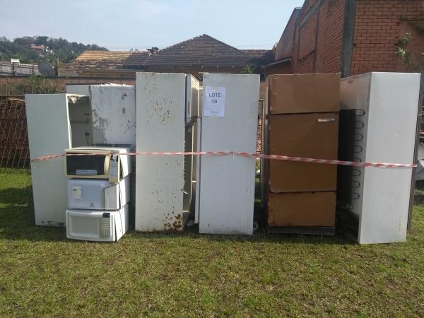 LOTE 09: Sucata de eletrodomésticos (linha branca). Diversos.