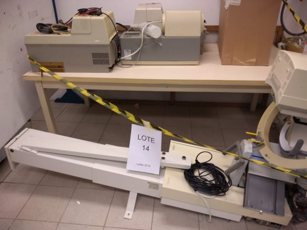 LOTE 14: Raio X e duplicadoras. Sirona, Air Techniques, contendo uma unidade completa de raio x pano