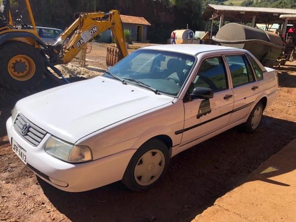 LOTE 05: VW SANTANA 2.0, ano 2000 e modelo 2001
