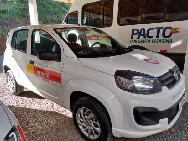 LOTE 03: FIAT UNO DRIVE 1.0, ano 2017 e modelo 2018, placas QIP 5194, renavam 1120485727, cor branca