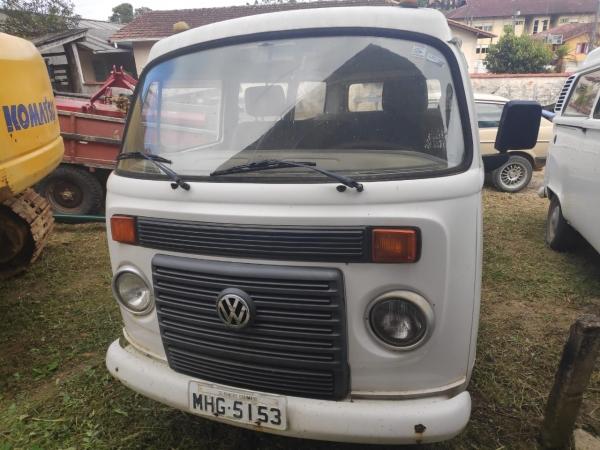 LOTE 01: VW KOMBI, ano e modelo 2009, placas MHG 5153, renavam 134441532, cor branca, Álcool/Gasolin