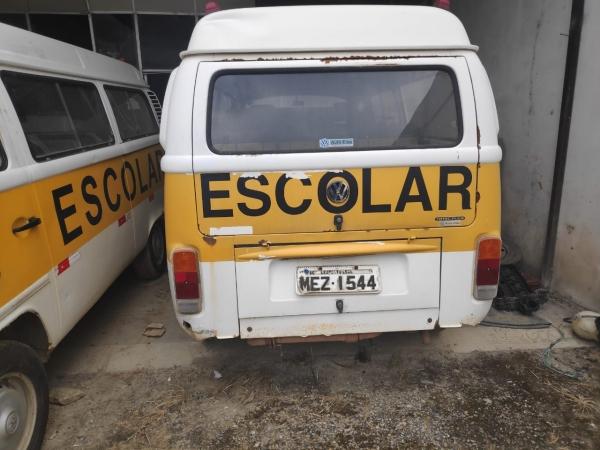 LOTE 02: VW KOMBI ESCOLAR, ano e modelo 2008, placas MEZ 1544