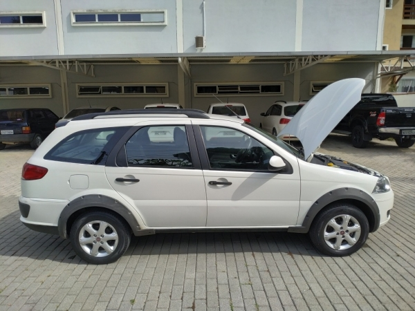 FIAT PALIO WK TREKK 1.6, ano 2012 e modelo 2013, placas MLD 4148